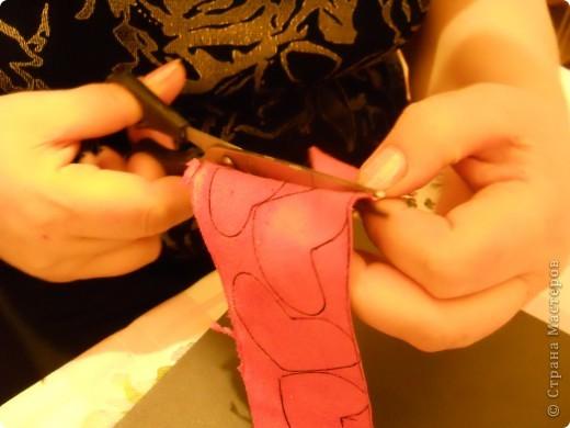 Предлагаю Вам попробовать сделать вот такую розу из кожи. фото 6