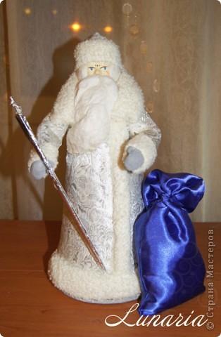 Вот он мой старенький, потрепанный временем, но очень любимый Дед Мороз! Таким он был еще вчера. фото 4