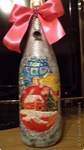 Вот такие бутылочки надекупажила- пытаюсь, дорогие мастерицы, за Вами повторюшничать. фото 5