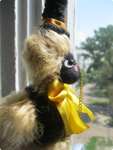Это моя вторая игрушка.Зовут этого мишку-джентельмена Фелекс Харитонович.Он истиный джентельмен и ищет себе достойного хозяина.^_____^ фото 2