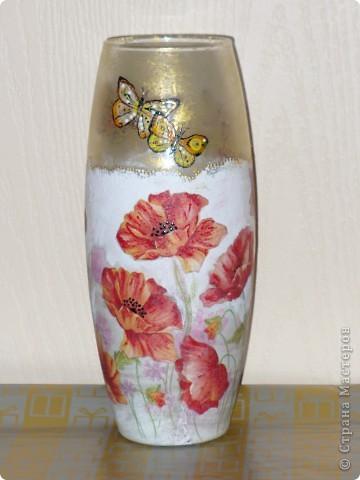 Сделала ещё одну вазу, на сей раз с маками, заказчица дала на выбор три идеи ( красные маки, берёзы или красные тюльпаны). Ну вот, выставляю то, что получилось в итоге. фото 2