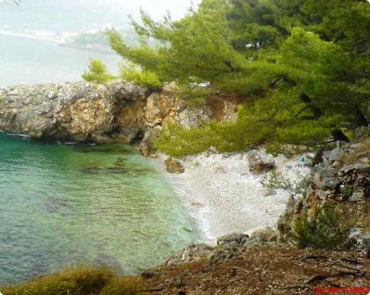 Здраво живо! Так приветствуют в Черногории.  За две недели отдыха в этой замечательной стране я просто влюбилась в неё.   В мире Черногория известна больше как Монтенегро - красивый и экологически чистый уголок Европы. Это действительно так! фото 14