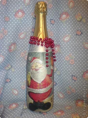 подарочная бутылочка и по совместительству та самая кошка, на которой тренировалась в декупаже)