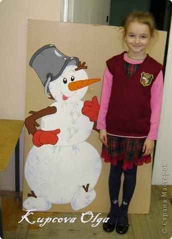 В школе меня попросили нарисовать снеговика для оформления школы(это конечный результат) фото 6
