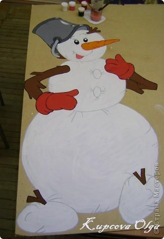 В школе меня попросили нарисовать снеговика для оформления школы(это конечный результат) фото 3