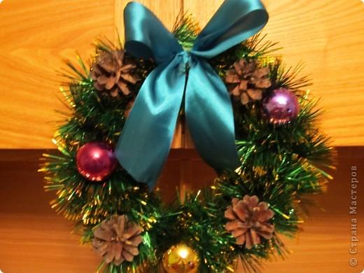 Новогоднее украшение на дверь своими руками фото