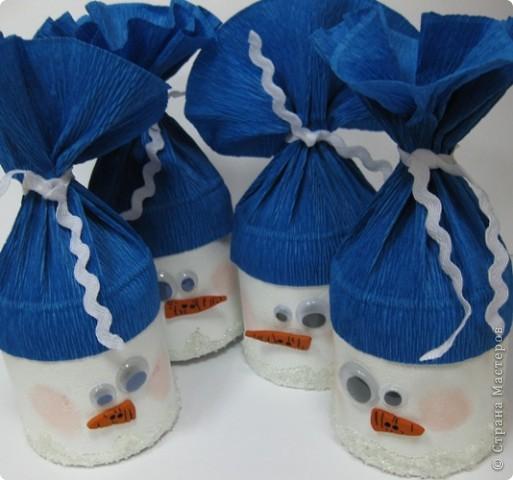 Сегодня меня поздравляли ребята, и я поздравляла ребят  :) Приготовила им вот такие сюрпризы. Коробочки-снеговики.   фото 1
