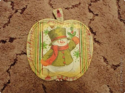 Доску я делала двухстороннюю(декоративную)! Первая сторона у меня со снеговиком... фото 1