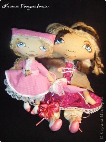 Доброго времени суток... Хочу познакомить Вас с моей малышкой Роузи... Давно хотела сшить маленькую куколку... Рост Роузи около 24 см... Надеюсь, не предел... Хочется еще меньше))))) фото 6