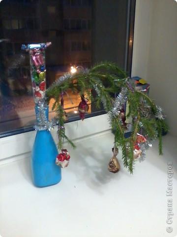Приветики всем! Вот и подходят к завершению новогодние праздники! А вот только поздравляю свою любимую Страну Мастеров с Новым годом и Рождеством!!!!!! Пусть творческое вдохновение живёт в наших сердцах целый год!!!! а главное, пусть здоровье будет крепким. а остальное или купим, или смастерим!:)))  А енто вот моя композиция из апельсинок, мандаринок и еловых веточек. такая простояла у нас 10 дней. Ставили на новогодний стол.  фото 4