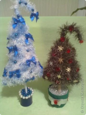 Это последние подарки своим близким на праздник. Елочку делала по МК наших мастериц. Жгутики из бумажной салфетки и  кухонной салфетки. Снеговичок из флиса. фото 3