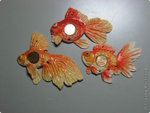 денежная рыбка подвескаиз соленого теста мастер класс<br />