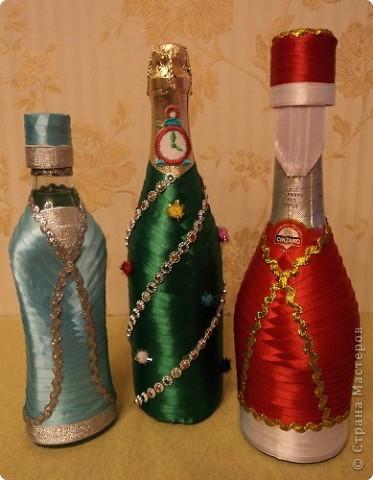 Украшение бутылки вина своими руками на новый год из лент