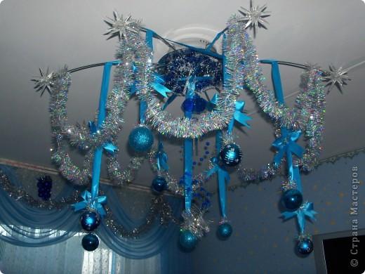 Как украсит люстру к новому году