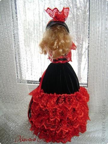 Вот эта куколка мне нравится своим шоколадным платьем и кремовыми кружевами фото 11