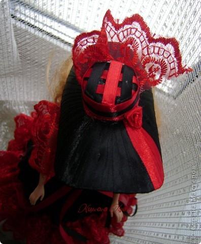Вот эта куколка мне нравится своим шоколадным платьем и кремовыми кружевами фото 12