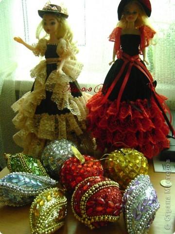 Вот эта куколка мне нравится своим шоколадным платьем и кремовыми кружевами фото 19