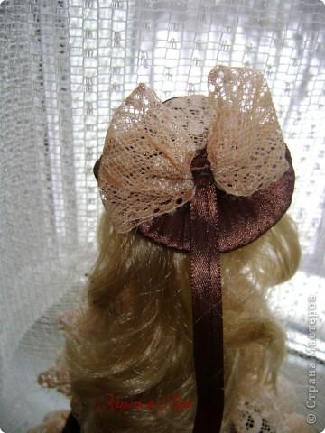 Вот эта куколка мне нравится своим шоколадным платьем и кремовыми кружевами фото 7