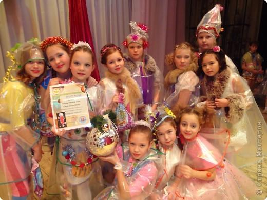 """Это мои девочки из театра детской моды. Коллекцию изготавливали для детского концерта """"Вишерское ожерелье""""."""