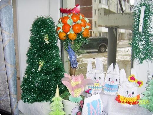 Решила вот как украсить подоконник в детской на Новый год. Собрала все свои поделки и вот что получилось. Спасибо всем мастерицам страны за поделки и мк. фото 2
