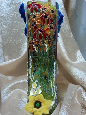первый опыт лепки цветов из пластики) плюс витражная роспись