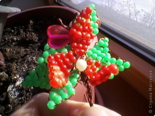 Плетение - Маленький цветочек из бисера.