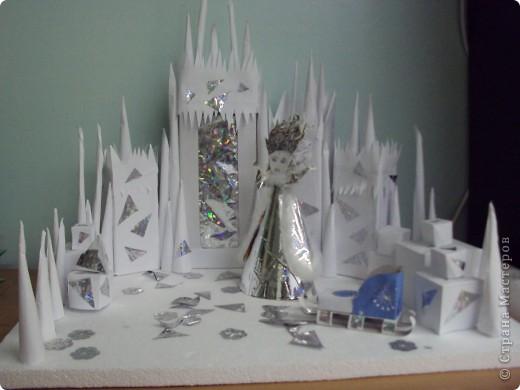 Как сделать снежную королеву из бумаги своими