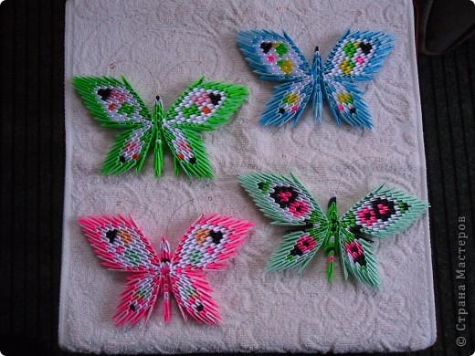 Вот ещё мои бабочки-магнитики. Остановилась на такой форме, только меняю цвет и немного рисунок на крылышках. Идёт полным ходом заготовка подарков-сувенирчиков к 8 марта моим подругам и родным, даже заказывают цвет. Советую перенять идею! фото 1
