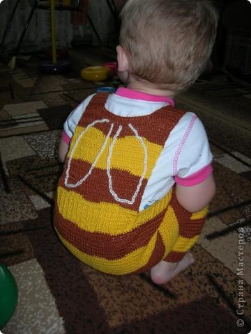 """Предлагаю вашему вниманию МК вязанного крючком комбинезона для малыша. Размер примерно на 8 месяцев. Свой я навязывала три раза, и дочь носит его уже год. Я использую пряжу типа """"Детский каприз"""", """"Москвичка"""", """"Подмосковная"""". Крючок № 3. фото 18"""