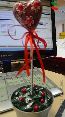 """Вот и мои """"валентинки"""". Делала колегам в подарок на одном дыхании за ночь. Подарены были утром. Все сфотографировать не успела. Поэтому пришлось снимать каждую уже на рабочих столах. фото 1"""