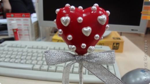 """Вот и мои """"валентинки"""". Делала колегам в подарок на одном дыхании за ночь. Подарены были утром. Все сфотографировать не успела. Поэтому пришлось снимать каждую уже на рабочих столах. фото 10"""