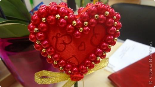 """Вот и мои """"валентинки"""". Делала колегам в подарок на одном дыхании за ночь. Подарены были утром. Все сфотографировать не успела. Поэтому пришлось снимать каждую уже на рабочих столах. фото 16"""
