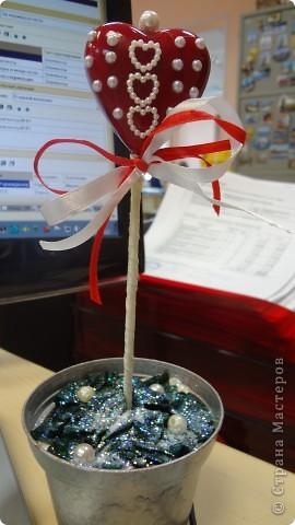 """Вот и мои """"валентинки"""". Делала колегам в подарок на одном дыхании за ночь. Подарены были утром. Все сфотографировать не успела. Поэтому пришлось снимать каждую уже на рабочих столах. фото 17"""