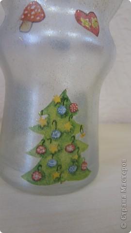 """Колега попросила вазу под ветки новогодние. Фаза """"фигурная"""" очень. Сложно было придумать декор. Крупный рисунок никак не ложился, да и терялся. Вот что получилось. Складочки вверху видны, но с ветками, я думаю, будет лучше фото 2"""