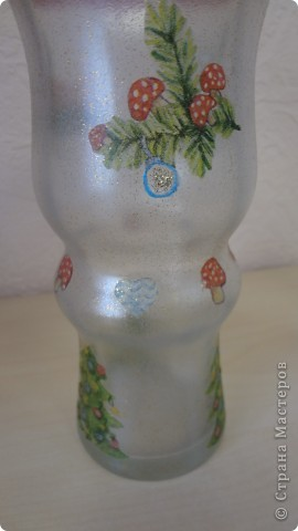 """Колега попросила вазу под ветки новогодние. Фаза """"фигурная"""" очень. Сложно было придумать декор. Крупный рисунок никак не ложился, да и терялся. Вот что получилось. Складочки вверху видны, но с ветками, я думаю, будет лучше фото 3"""