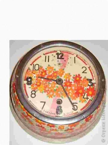 """Часы можно """"омолодить"""",на серой основе можно нарисовать вот такие цветочки...и они уже могут радовать. фото 2"""