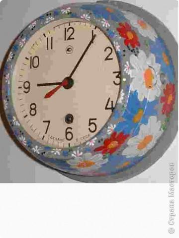 """Часы можно """"омолодить"""",на серой основе можно нарисовать вот такие цветочки...и они уже могут радовать. фото 1"""