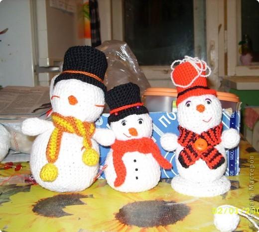 Снеговики своими руками крючком