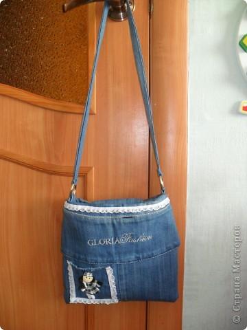 1.Сумочка детская, сшитая из джинсовой ткани.2.Сумочка.3.Сумочка для малеханькой девченки.Вот такие две сумочки я...
