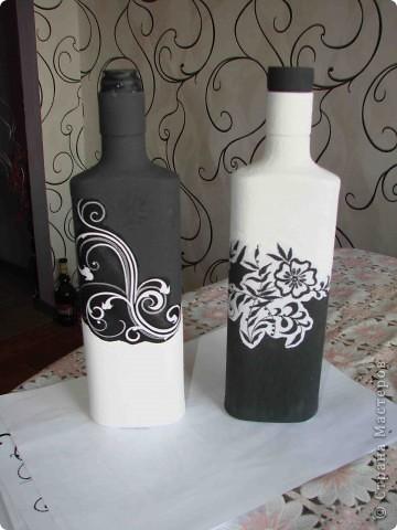 Декор предметов Декупаж Роспись Черно-белый декор бутылочек + маленький МК Бумага Бутылки стеклянные Краска Материал бросовый фото 1