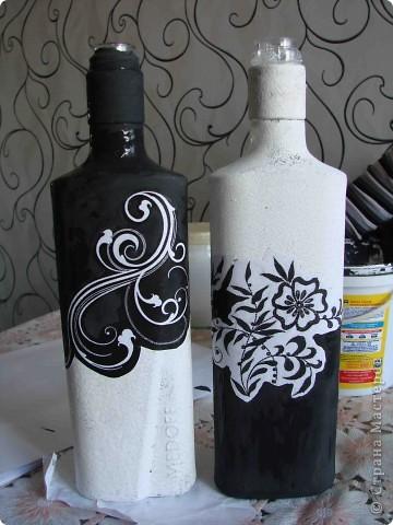 Декор предметов Декупаж Роспись Черно-белый декор бутылочек + маленький МК Бумага Бутылки стеклянные Краска Материал бросовый фото 9