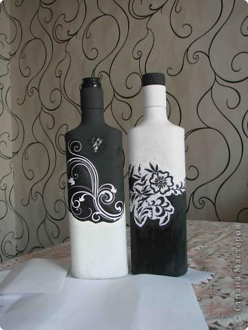 Декор предметов Декупаж Роспись Черно-белый декор бутылочек + маленький МК Бумага Бутылки стеклянные Краска Материал бросовый фото 10