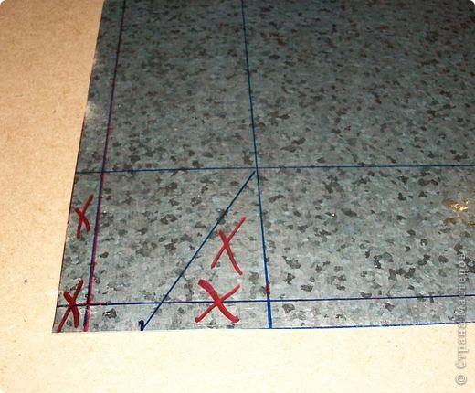 Сделать коробок своими руками из картона ни для кого не представляет серьезных трудностей. Немного посложней работать с оцинкованным железом, но коробок для себя можно сделать. Несколько слов об оцинкованном железе.  Продается часто в строительных магазинах размерами 1000мм х 2000мм, толщиной 0,35 мм. по цене 80-100 гривень за лист.  фото 7