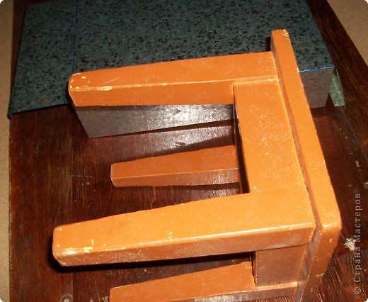 Сделать коробок своими руками из картона ни для кого не представляет серьезных трудностей. Немного посложней работать с оцинкованным железом, но коробок для себя можно сделать. Несколько слов об оцинкованном железе.  Продается часто в строительных магазинах размерами 1000мм х 2000мм, толщиной 0,35 мм. по цене 80-100 гривень за лист.  фото 18