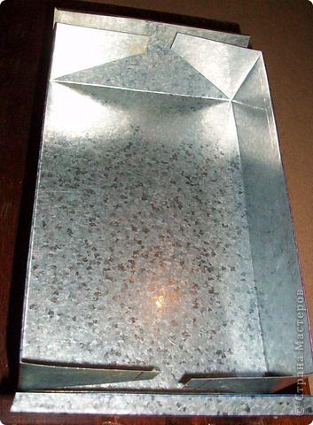Сделать коробок своими руками из картона ни для кого не представляет серьезных трудностей. Немного посложней работать с оцинкованным железом, но коробок для себя можно сделать. Несколько слов об оцинкованном железе.  Продается часто в строительных магазинах размерами 1000мм х 2000мм, толщиной 0,35 мм. по цене 80-100 гривень за лист.  фото 20