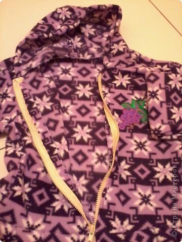 Не жизнь, а сплошные приключения! Купила метр красивого фиолетово-сиреневого флиса. И понеслось!!! Конечно, метра не хватило:)))) Сшила своим детишкам (сыну и сестрёнке) вот такие фиолетовые одёжки:))) Принимайте! фото 6