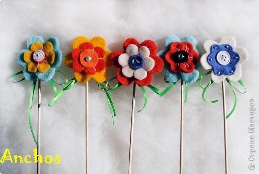 Готовлюсь к 8 марта ))))  Нашила украшений для цветочных горшков из флиса для коллег. Все разные. фото 2