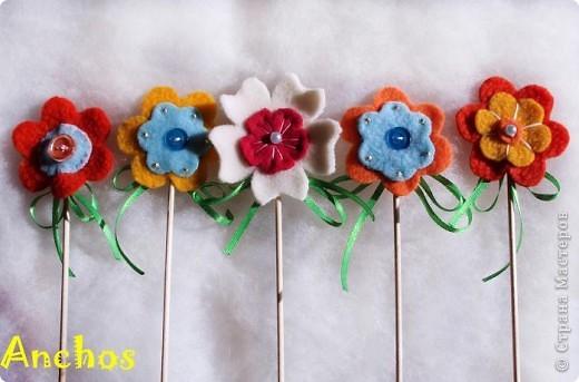 Готовлюсь к 8 марта ))))  Нашила украшений для цветочных горшков из флиса для коллег. Все разные. фото 3