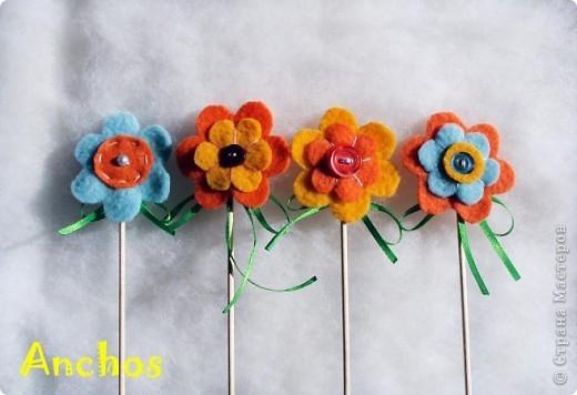 Готовлюсь к 8 марта ))))  Нашила украшений для цветочных горшков из флиса для коллег. Все разные. фото 5