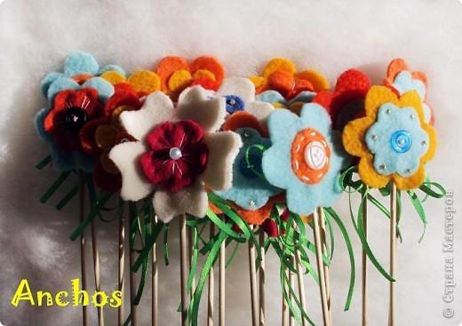 Готовлюсь к 8 марта ))))  Нашила украшений для цветочных горшков из флиса для коллег. Все разные. фото 6